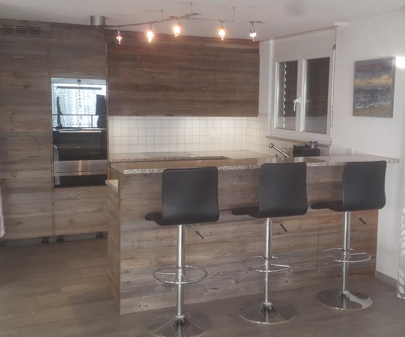 Küche mit Bartheke - Schreinerei Imwinkelried
